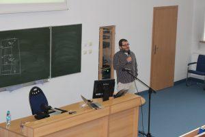 Zdjęcie z wykładu dr Tomasza Grzyba